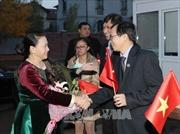 Chủ tịch Quốc hội gặp gỡ cán bộ ĐSQ và cộng đồng người Việt tại Kazakhstan