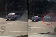 Xem video 'ô tô ma' thình lình xuất hiện gây tai nạn giữa đường