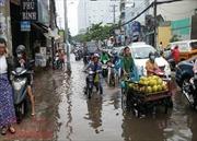 Nam Biển Đông tiếp tục mưa dông, Nam Bộ triều cường cao, nguy cơ ngập lụt