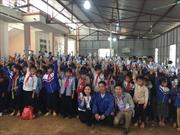 Trao tặng hơn 17.500 ly sữa cho trẻ em vùng lũ lụt