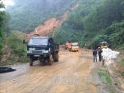 Quảng Nam: Quốc lộ 40B sạt lở nặng, giao thông ách tắc