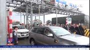 Trạm thu phí TASCO bị ách tắc do người dân trả tiền lẻ