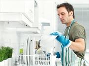 Bị vợ ly dị sau hai tuần kết hôn vì thích làm việc nhà