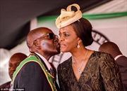 Đệ nhất Phu nhân Zimbabwe 'vắng bóng bí ẩn' sau chính biến