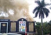 Cháy lớn tại quán Karaoke ở Linh Đàm, Hà Nội