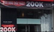 Các cửa hàng tại TP Hồ Chí Minh ồ ạt giảm giá theo trào lưu Black Friday