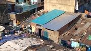 Mái nhà 'tái chế' thay đổi cuộc sống ở khu ổ chuột Ấn Độ