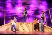 Chua chát những 'Ảo ảnh hạnh phúc' trên sân khấu Nhà hát Kịch Việt Nam