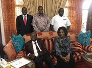 Vợ chồng cựu Tổng thống Zimbabwe lộ diện sau khi được miễn truy tố
