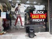 Chạy đua hút khách mua hàng, giảm giá khủng 50% ngày Black Friday