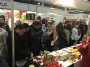 Gian hàng Việt Nam 'hút khách' tại hội chợ ẩm thực quốc tế Ukraine