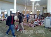 Phiến quân tấn công đền thờ Ai Cập bắn cả xe cứu thương