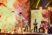 Sao Đại chiến: Slim V gây tranh cãi khi làm mới 'Earth Song' của Michael Jackson