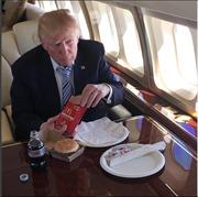 Uống 12 lon Coca mỗi ngày, Tổng thống Trump có thể mắc những bệnh này