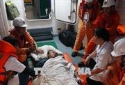 Kịp thời đưa một thuyền viên nước ngoài bị nạn trên biển vào đất liền điều trị