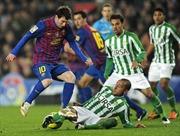 Guardiola: Iniesta không ăn vạ