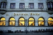 Moody's hạ mức xếp hạng tín dụng 9 ngân hàng Đan Mạch