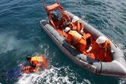 Cứu sống 3 thuyền viên gặp nạn trên biển