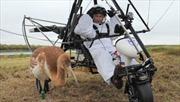 Tổng thống Putin dạy sếu con bay
