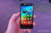 Điện thoại Android đầu tiên dùng chip Intel 2 GHz