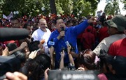Nhiệm kỳ khó khăn của Tổng thống Chavez
