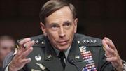 Ngoại tình, Giám đốc CIA từ chức