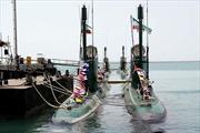 Iran hạ thủy tàu ngầm và tàu đệm khí mới