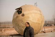 Nông dân chế tạo 'quả cầu' thách thức Ngày tận thế