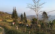 Lãnh đạo tỉnh Hà Giang động viên gia đình chiến sỹ công an hy sinh khi làm nhiệm vụ