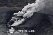 Huỷ 80 chuyến bay vì núi lửa Shinmoe phun trào dữ dội
