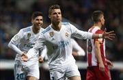 Clip Ronaldo lập cú poker, so kè 'Vua phá lưới' cùng Messi