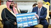 Tổng thống Trump khoe ảnh vũ khí bán cho Thái tử Saudi Arabia