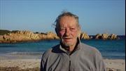 Gặp gỡ 'Robinson' 79 tuổi sống một mình trên hoang đảo