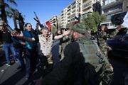 Chặn được 71 trên 103 quả tên lửa, binh sĩ và người dân Syria đổ ra đường ăn mừng