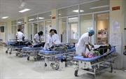 Điều trị, hỗ trợ kịp thời 12 du khách nước ngoài nghi ngộ độc thức ăn