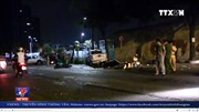5 người thương vong do xe bán tải tông khi chờ đèn đỏ