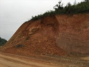 Bắc Kạn: San gạt đất trái phép, người dân 2 thôn xã Quang Thuận 'khát' nước sạch