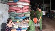 Vụ vỏ cà phê trộn sỏi và nhuộm pin tại Đắk Nông: Khởi tố vụ án, tạm giữ khẩn cấp 5 đối tượng