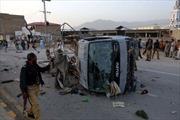 Đánh bom liều chết làm 21 cảnh sát, binh lính Pakistan thương vong