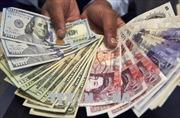 Đồng bảng tụt xuống mức 'đáy' của bảy tháng so với đồng USD