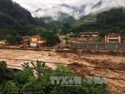 Mưa lớn kéo dài gây sạt lở taluy và ách tắc một số tuyến đường ở Yên Bái