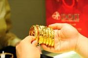 Giá vàng 'bốc hơi' hơn 200.000 đồng/lượng