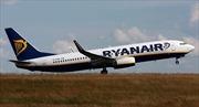 Máy bay hạ cánh khẩn, hành khách chảy máu tai