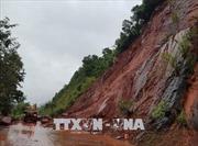 Xử lý sự cố sạt lở do mưa lũ trên Quốc lộ 6 đoạn qua Sơn La