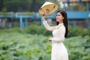 Sao mai Linh Hoa hát nhạc Nguyễn Tài Tuệ