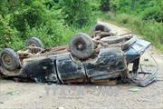 Lật xe chở gỗ giữa rừng, hai người tử vong tại chỗ