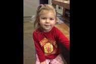 Manchester United tìm ra fan hâm mộ dễ thương nhất thế giới