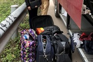'Ngụy trang' 117 kg pháo trong túi quần áo