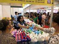 Hàng Việt làm gì để giành lại thị phần hàng Thái trên sân nhà?