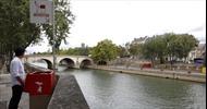 Sáng kiến giúp nam giới công khai 'tiểu bậy' giữa đường phố Paris hoa lệ